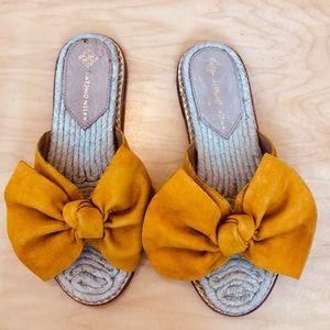 Antonio Melani Suede Bow Espadrille Sandals NWOT
